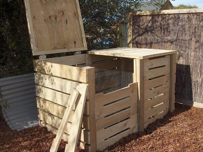 pallet compost bin with lid