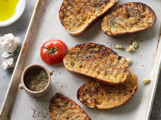 garlic bread with olive oil
