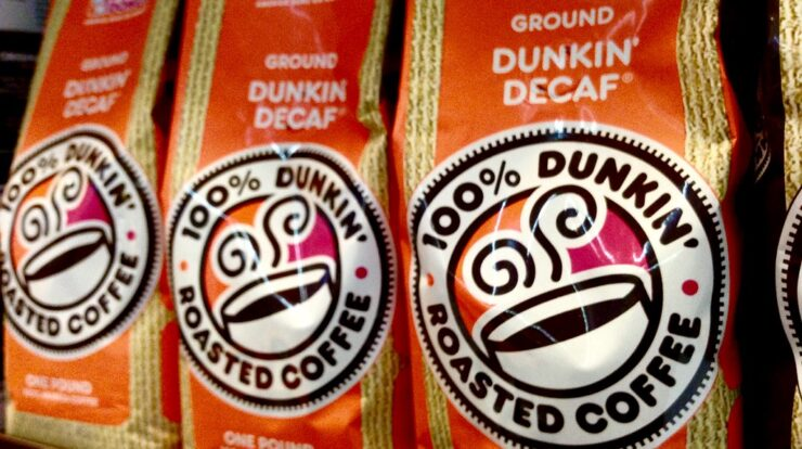 does decaf coffee inhibit iron absorption?