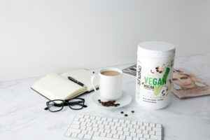 Top 3 Vegan Meal Replacement Shakes in 2021 [Buying Guide]