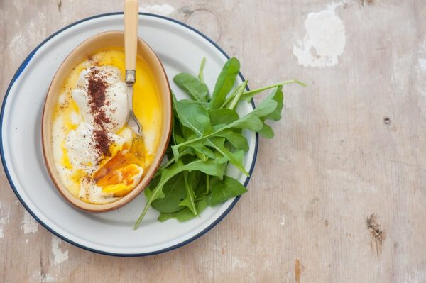 poached egg with sumac